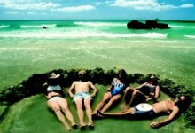Relax at Hot Water Beach, New Zealand